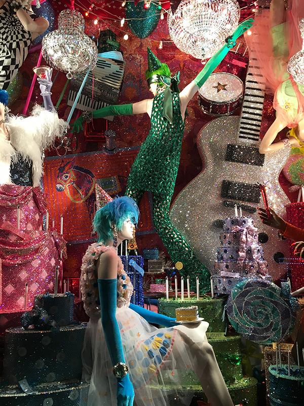 Il est minuit à Paris : Joyeux Noël de chez Bergdorf Goodman!
